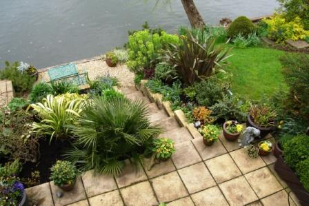 Riverbank_Garden_3